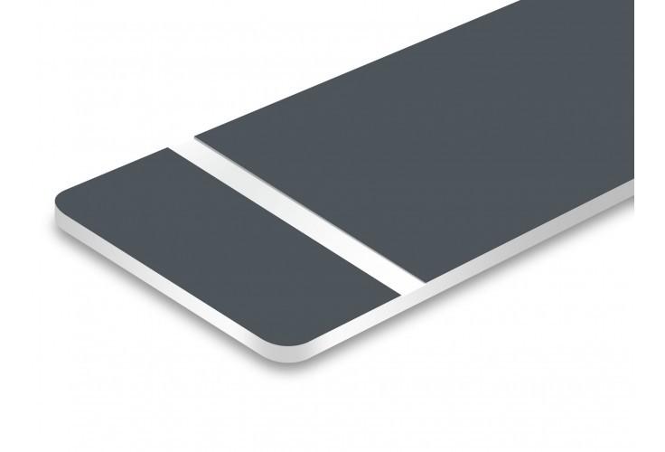 plaque gris texte blanc