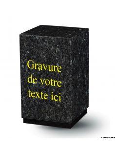 urne en granit avec gravure