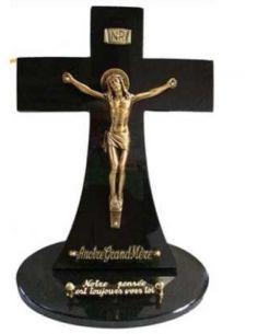 Plaque funéraire avec chrit en bronze plus inter